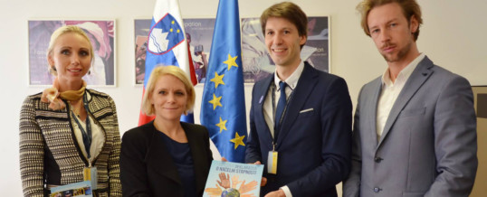 Mednarodni dan strpnosti, obisk pri ministrici za delo, družino, socialne zadeve in enake možnosti dr. Anji Kopač Mrak